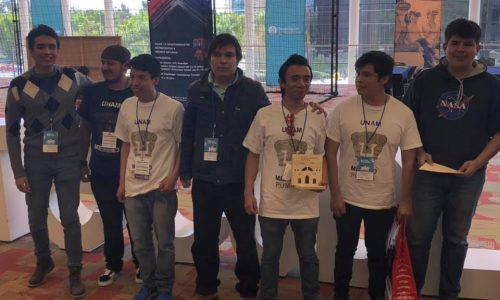 "First Place ""Limpiadores de Playa"" - Biorobotics Team"